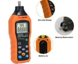 Tacômetro digital PeakMeter PM6208A