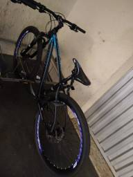 Bicicleta roubada em Apucarana em frente as lojas Colombo