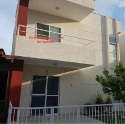 Casa 4 dormitórios em Buraquinho condomínio fechado