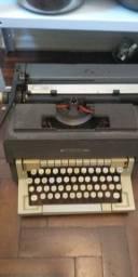 Máquina de escrever de metal da Underwood.