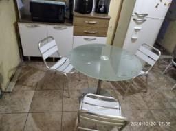 Jogo de mesa e 3 cadeiras