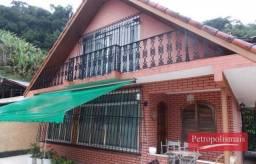 Centro de Petrópolis- Casa em dois pisos com 3 quartos