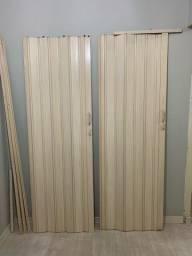 2 Portas de PVC - Ótima Oportunidade