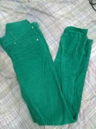 Calça veludo verde 34