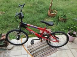 Bicicleta aro 20 com rodinhas
