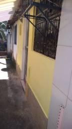 Duas Quitinetes c/ Garagem, em Cond. Fechado.-esq. c/ Rua dos Limites-Realengo, RJ