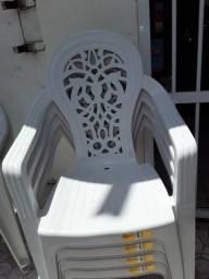 Cadeiras de braço!  Preço acessível.