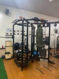 Estação funcional e musculação