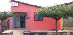 Vende-se casa, com 1 quarto, localizada no bairro Junco