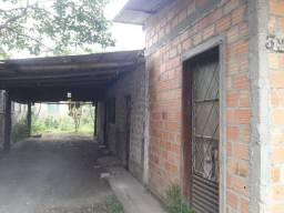 Vende-se casa no Lami