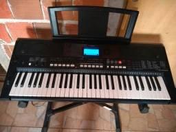 Teclado musical Yamaha semi novo