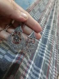 Vendo um brinco de prata 925