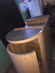 Mesa/ Armário com portas seminovo