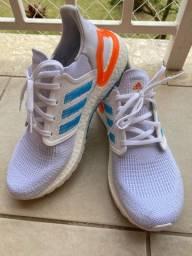 Tênis adidas ultraboost 20 Novo !
