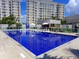 Apartamento 2 Quartos para Aluguel em Buraquinho (687805)