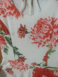 Vestido florido semi-novo