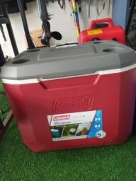Caixa térmica Cooleman com rodas 47,3L