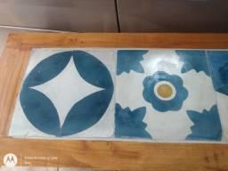 Sapateira Rustica com cerâmicas rústicas