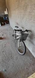 Bicicleta bem novinha
