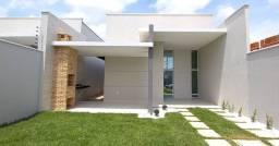 Casa plana em em residencial semi-fechado as margens da Washington Soares