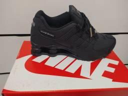 Tênis masculino Nike 4 molas
