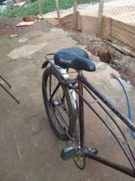 Vendo uma bike antiga só pegar e andar