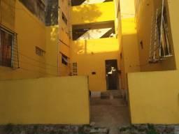 Alugo apartamento próximo ao terminal de Arthur Lundgren 2