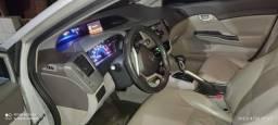 Vende-se Honda Civic 2014/2014. Pneus Novos. Quilometragem 160.000
