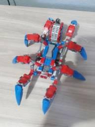 Kit LEGO com 20 personagens