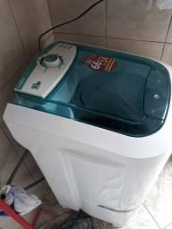 Lavadora de Roupas Latina LA551 127V Semi-nova