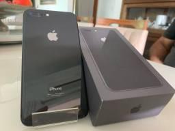 iPhone 8 Plus 64GB EM ESTADO DE NOVO
