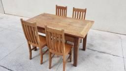 Título do anúncio: Mesa em madeira de demolição c/ 4 cadeiras