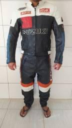 Macacão moto semi novo PASSO CARTÃO !