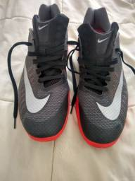 Tênis Nike HyperLive 42 Basquete