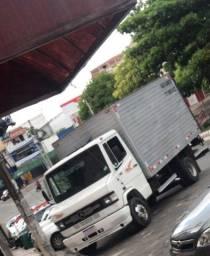 Vende se este caminhão