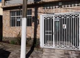 Casa grande de 2 andares com garagem na Vila Monumento