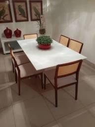 Vendo Mesa de Jantar com cadeiras