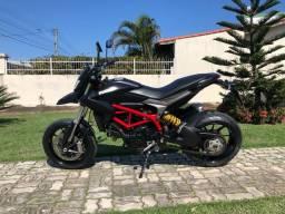 Título do anúncio: Ducati hypermotard 821