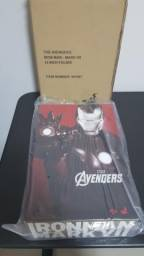 Hot Toys Iron Man Mark VII Action Figures