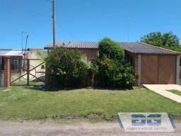 Casa 2 dormitórios para Venda em Cidreira, Parque dos Pinus, 4 dormitórios, 2 banheiros, 1