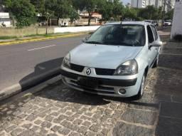 Título do anúncio: Renault/clio expression 1.0 completão/2004 vd/financio