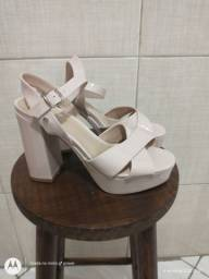 N° 36 Os 4 Pares de Sapato por R$ 100,00