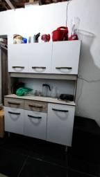 Cozinha com três mês de uso