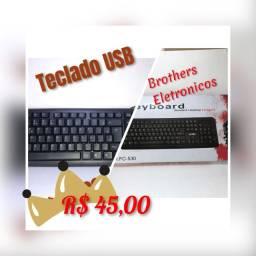 Teclado USB Standard.