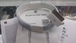 Cabo Para iPhone 30 pinos para USB - 3, 3G, 3GS, 4 e 4S, iPod, iPad - 1 metro