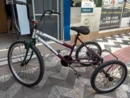 Triciclo bem resistente