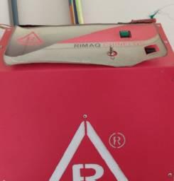 Máquina Rimaq para fabricação de chinelos