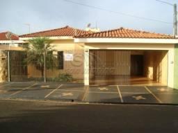 Casa para alugar com 3 dormitórios em Recreio dos bandeirantes, Jaboticabal cod:L2368