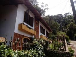 Excelente casa em Varzea Teresópolis
