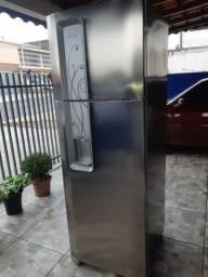 Refrigerador Eletrolux frost free 350 litros com dispenser